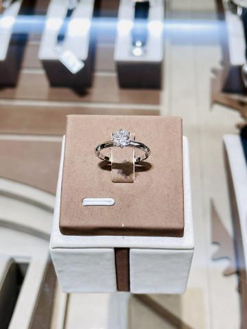 鑽石戒指 鑽石女戒 五十分鑽石 50分鑽石 PT950 鉑金戒指 八心八箭 重量0.58ct