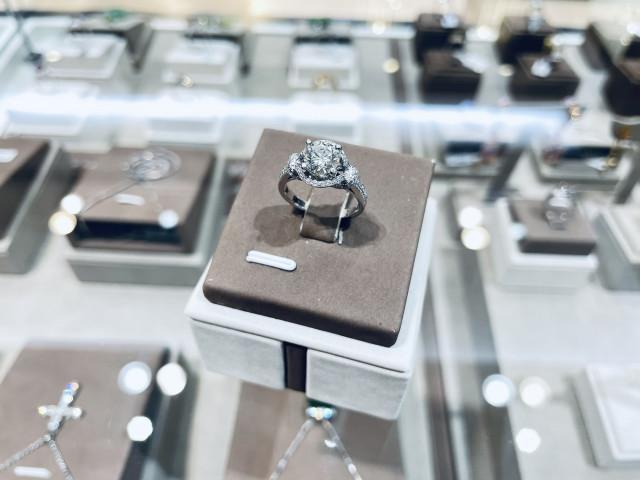 鑽石戒指 鑽石女戒 18K金 一克拉鑽石 1克拉鑽石 永久證書 八心八箭 E VVS1 重量1.06ct