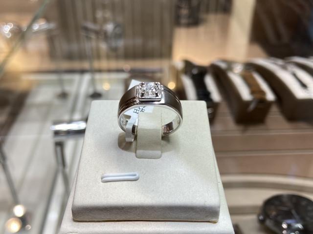 素面鑽石戒指 PT900白金戒台 重約0.40ct