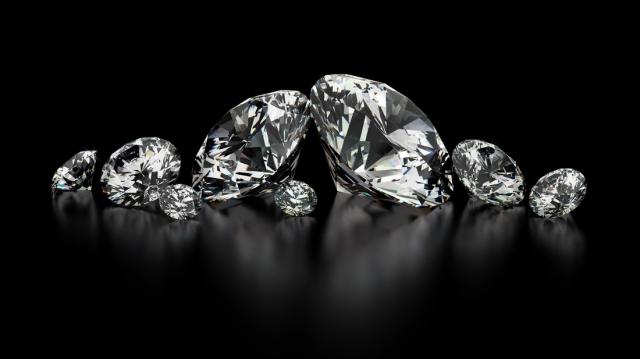 鑽石有螢光到底好不好呢?